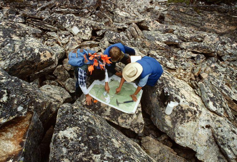 geologist_82626106.jpg