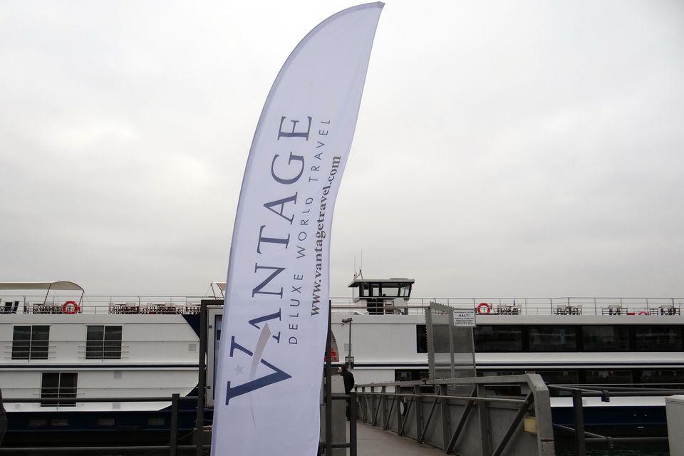 Vantage Deluxe World Travel Banner
