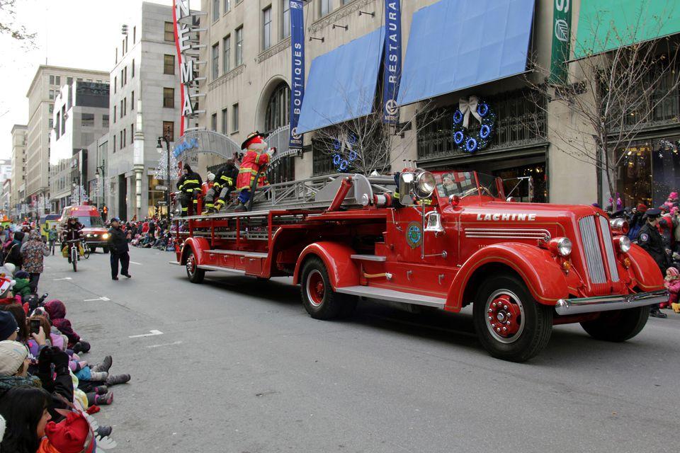 Montreal Santa Claus Parade 2017 Défilé du Père Noël