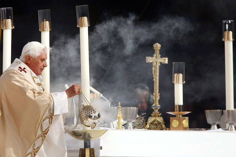 Pope Benedict XVI Incenses Altar at Yankee Stadium Mass (Photo by Chris McGrath/Getty Images)
