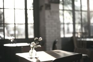 Languid afternoon in a cozy restaurant.