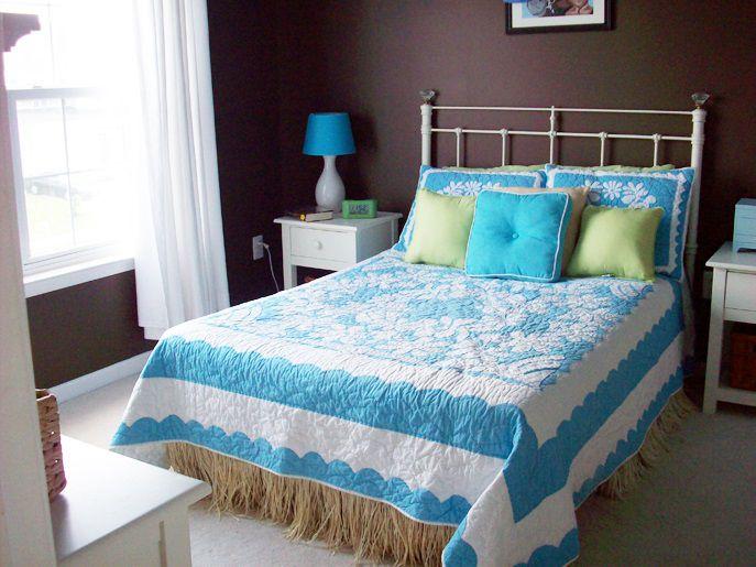 Bold Colored Bedroom Walls - Bedroom with dark brown walls