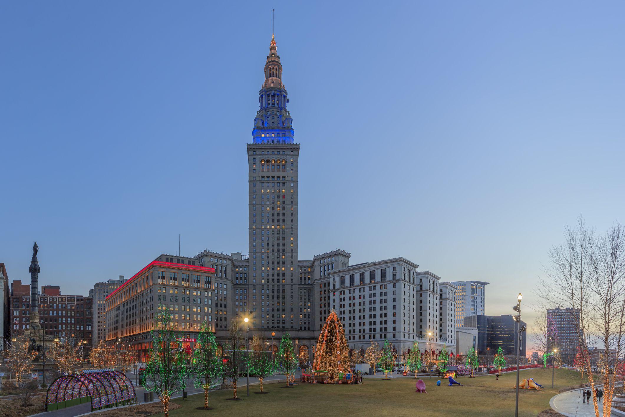 Cleveland And Northeast Ohio Holiday Lights