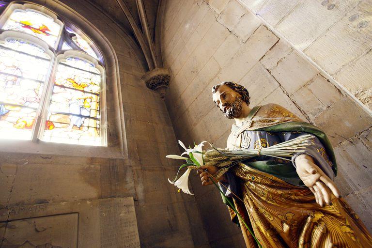 Statue of Saint Joseph, Senlis Cathedral