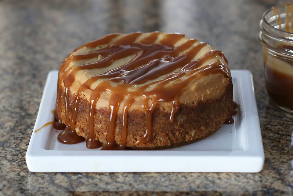 Slow Cooker Praline Cheesecake