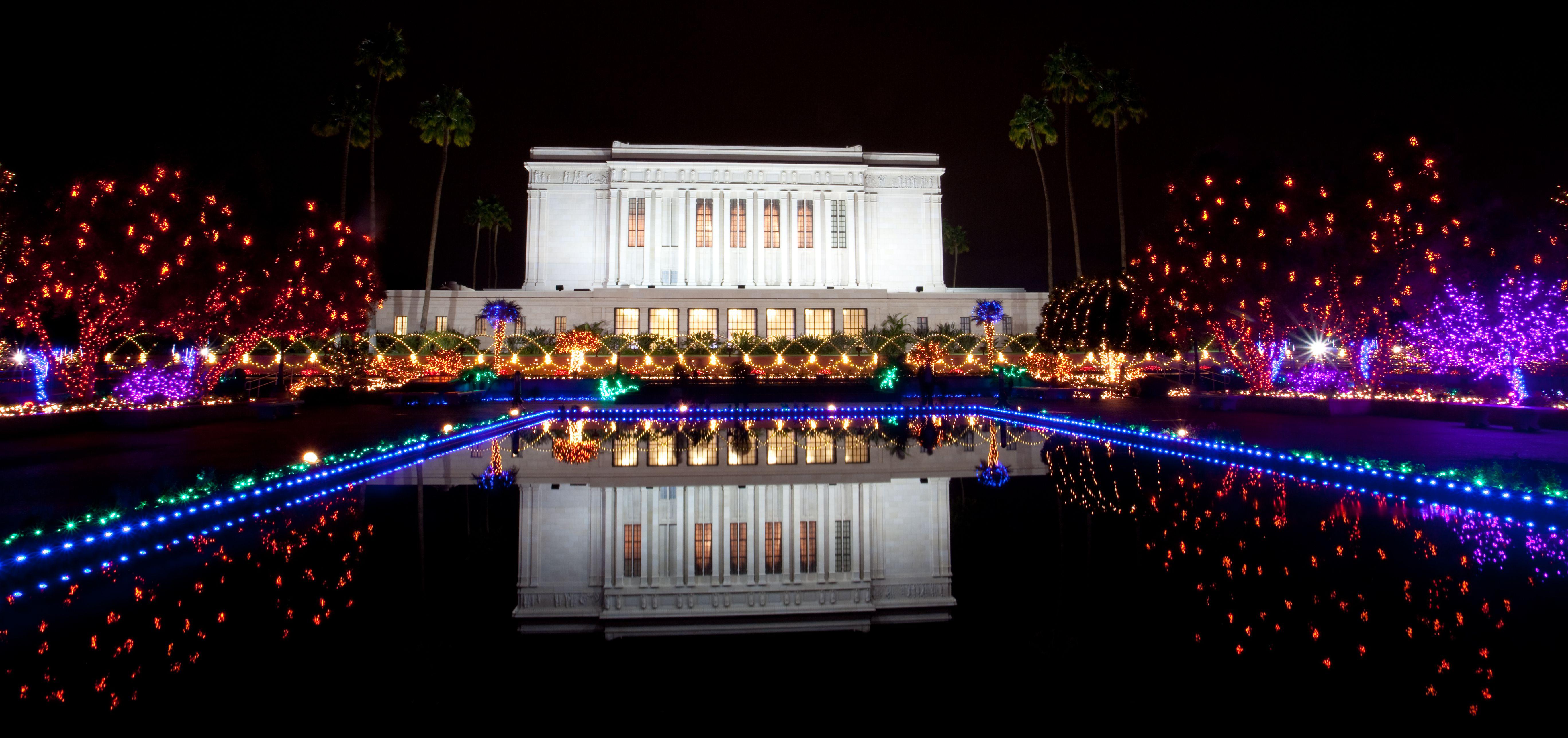 Christmas Lights At Mesa Temple 2020 Arizona Mormon Temple Christmas Lights | Canbkz.howtocelebrate2020