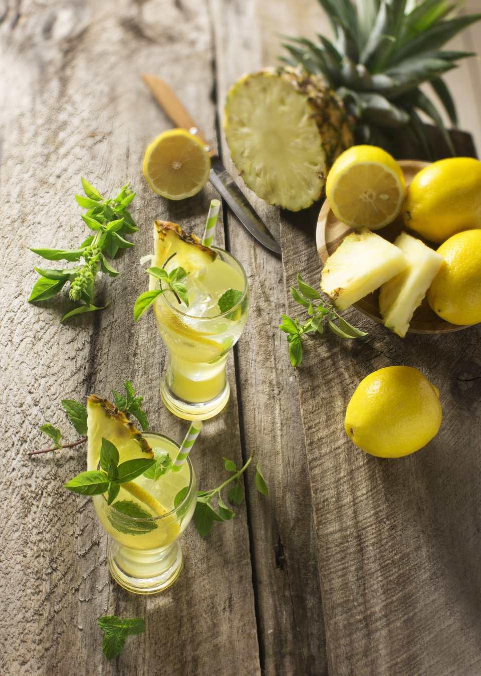 Pineapple detox tonic