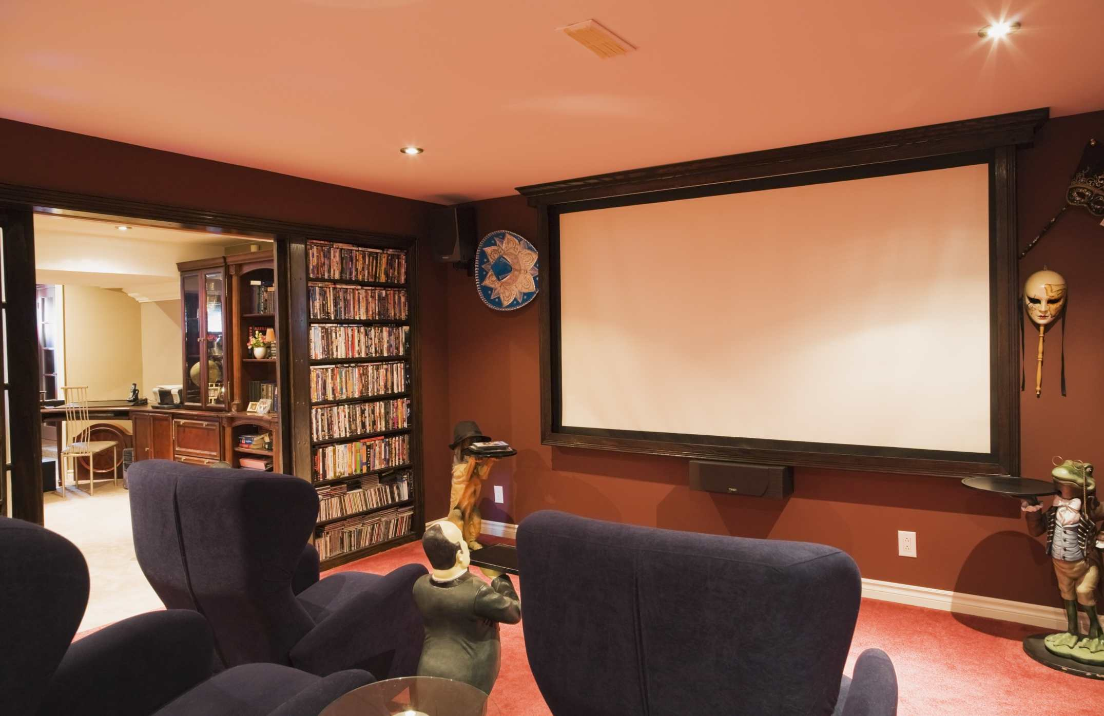 designing a home theater room.  10 Maxims Of Perfect Home Theater Room Design