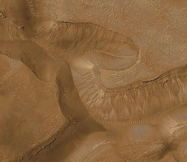 Pictures of Mars - Liquid Water on Mars