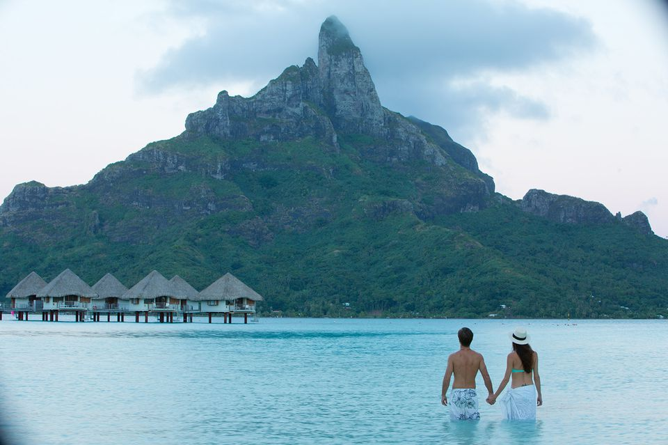 Romantic tahiti honeymoon in french polynesia for Where to go for a honeymoon