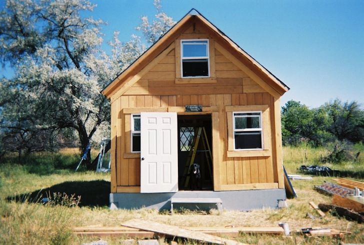 You can build this tiny house for less than 2 000 for How to build a small house off the grid