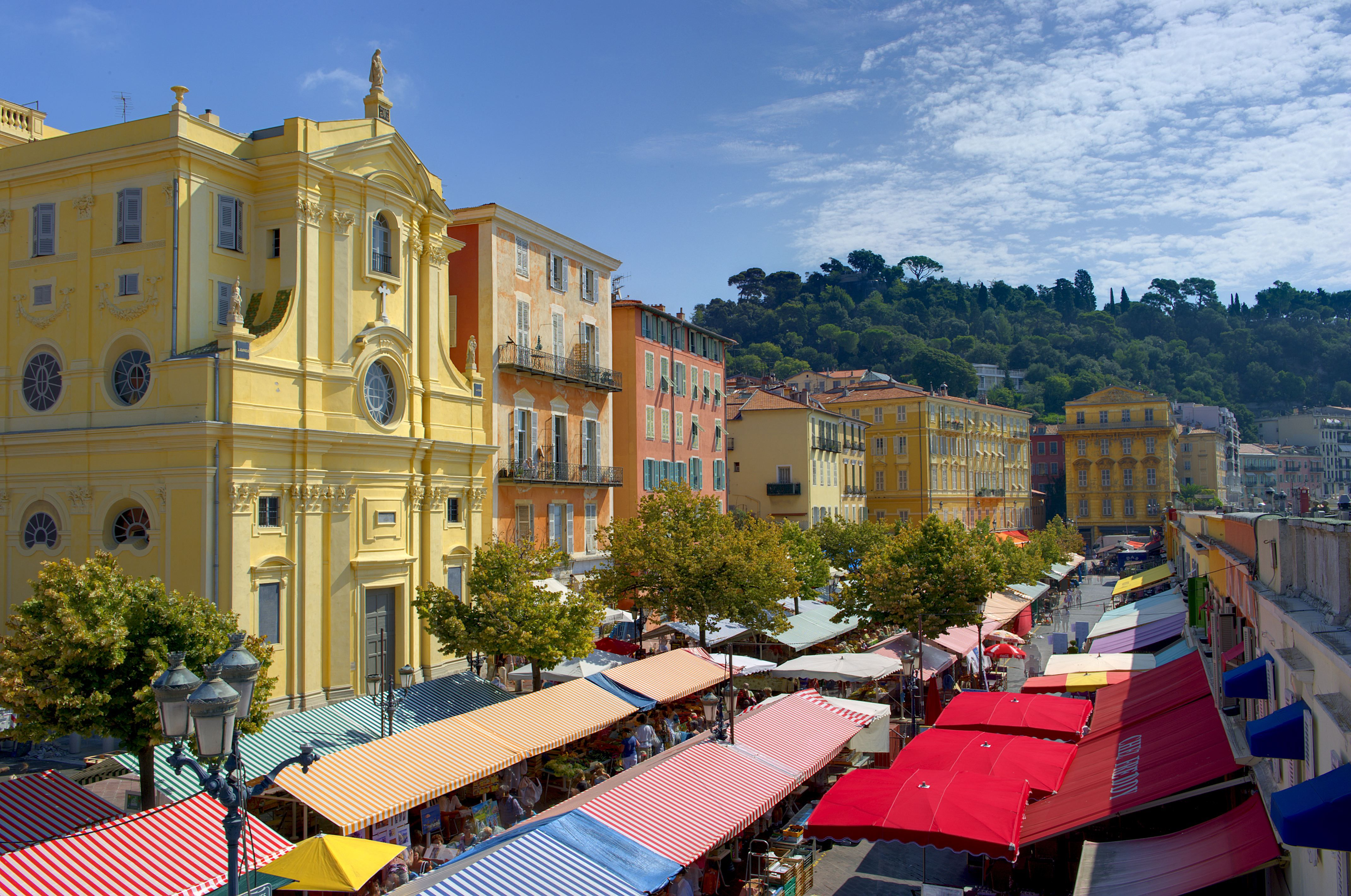 Walking tour of nice 39 s cours saleya market for Interieur cours nice