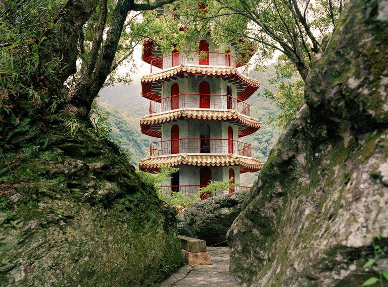 Taiwan, Tienhsiang, pagoda in forest at Taroko Gorge