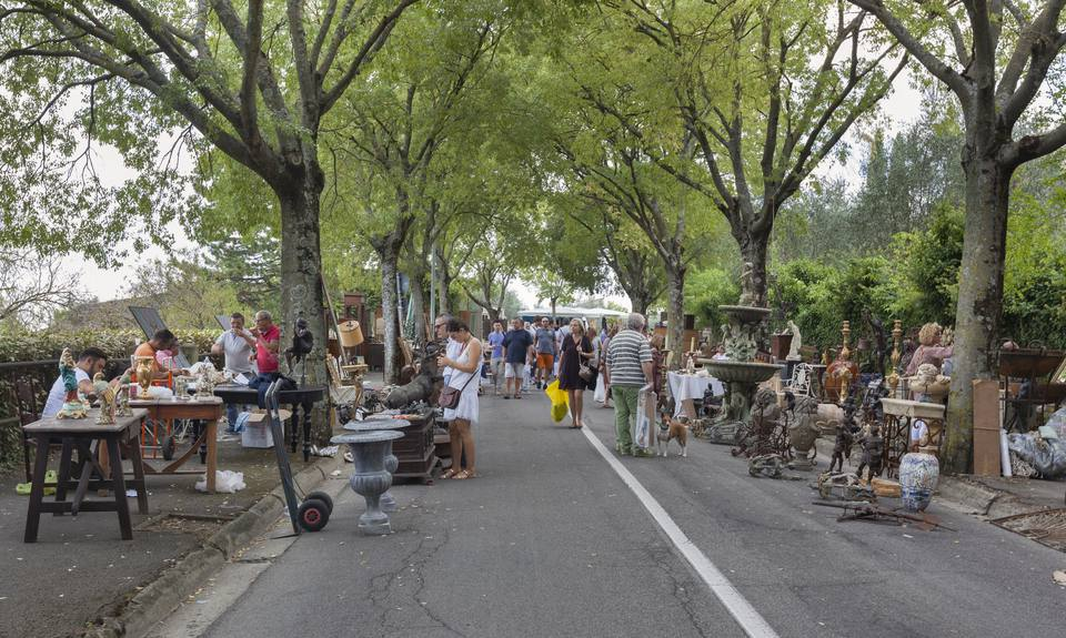 Outdoor Antiques Mall