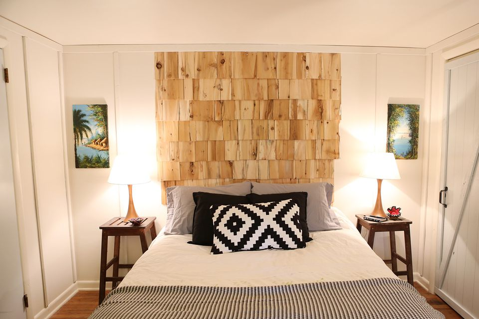 Cedar-Shingle-DIY-headboard