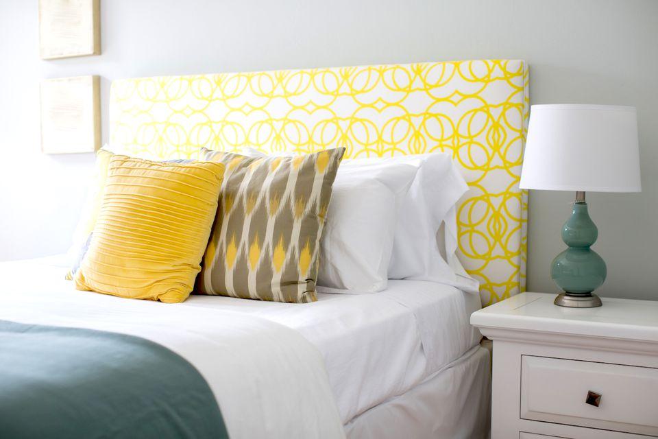 Home staging spring bedroom color