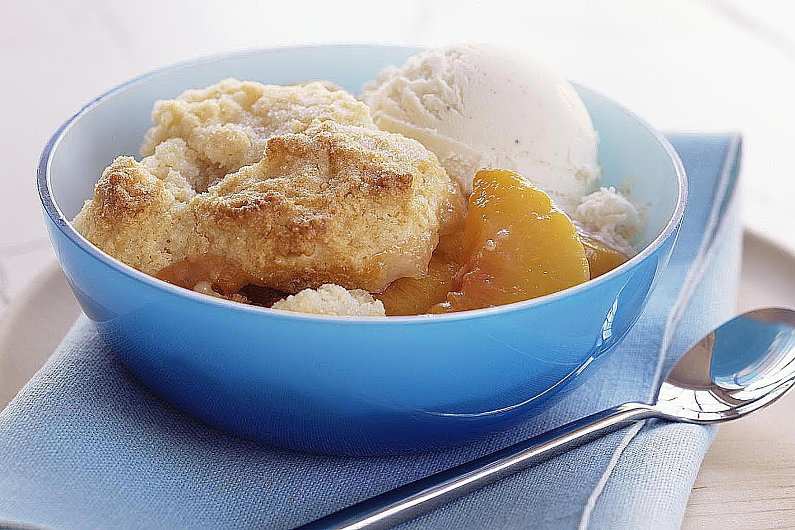 Easy Peach Cobbler With Cake Mix And Frozen Peaches