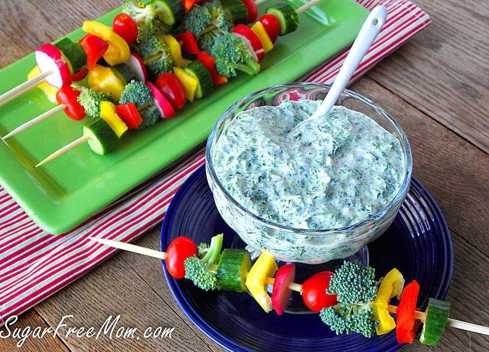 A plate of mayo free spinach dip