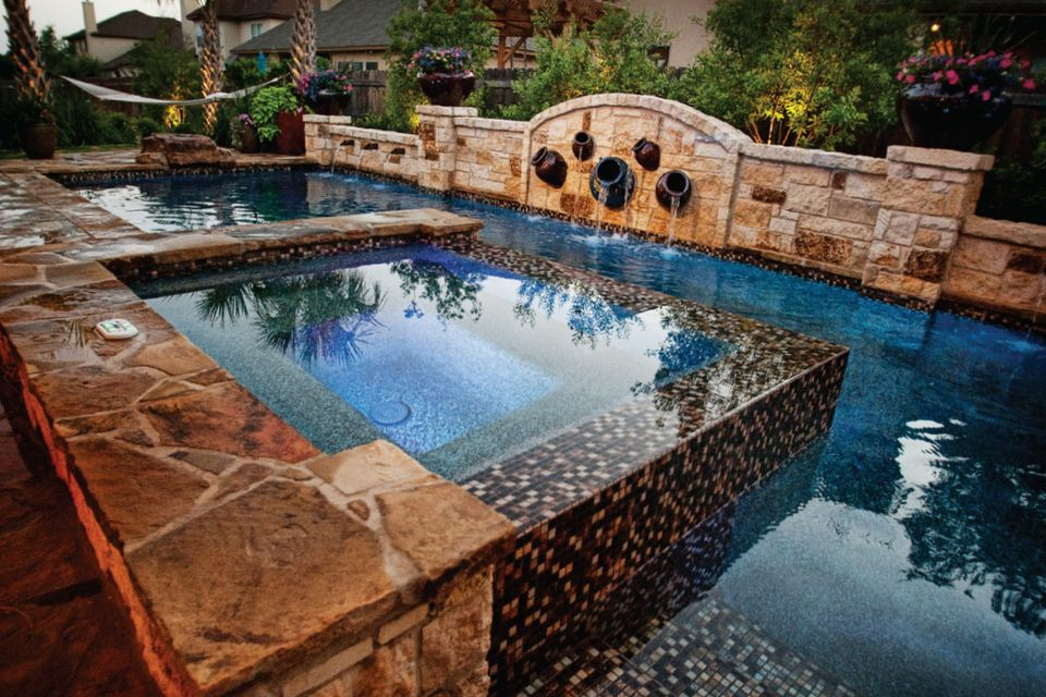 traditional rectangular pool - Rectangle Pool With Water Feature