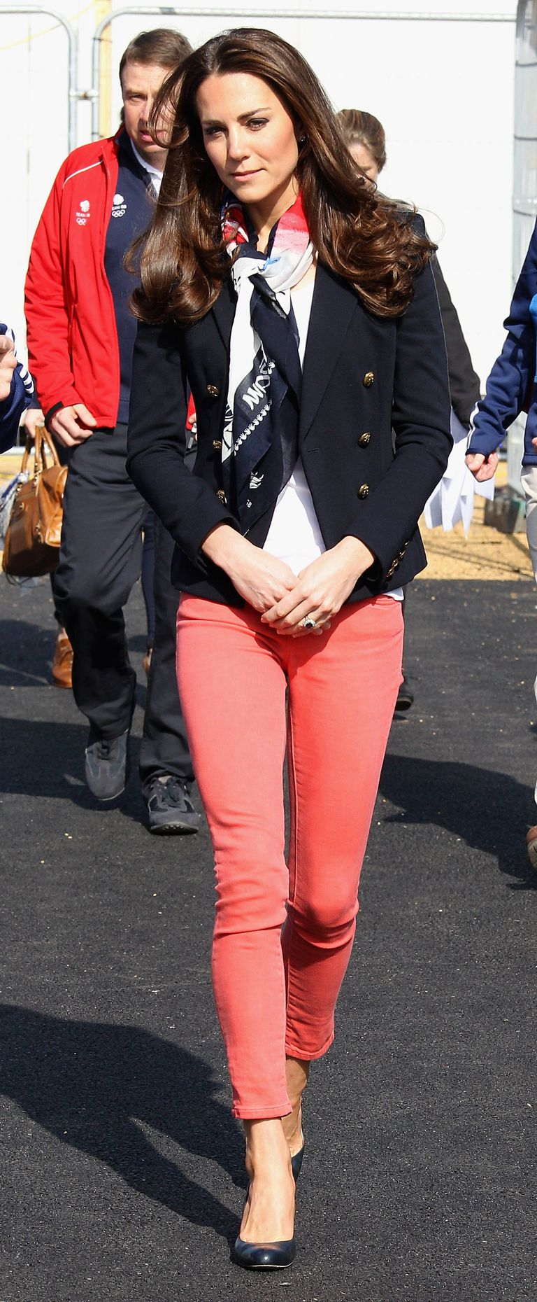 Kate Middleton in coral skinny jeans.