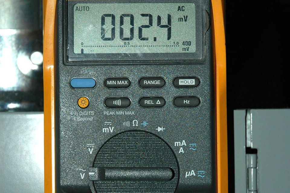 4 Wire Ohmmeter : Use tester tools to check for electrical continuity