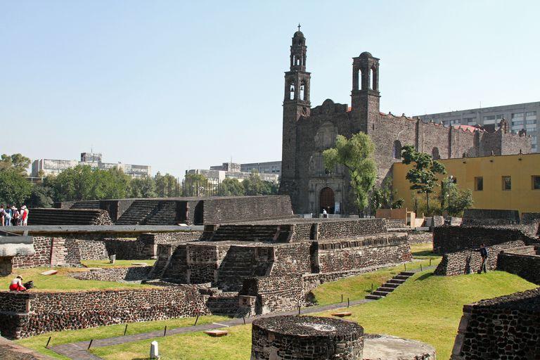 Tlatelolco's Templo Mayor and Santiago de Tlatelolco