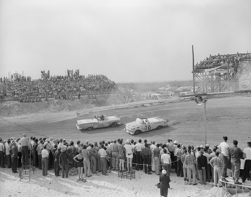 the birth of nascar Favorit book driving with the devil: southern moonshine, detroit wheels, and the birth of nascar neal thompson read onlinecheck link http://ebookunlimited.