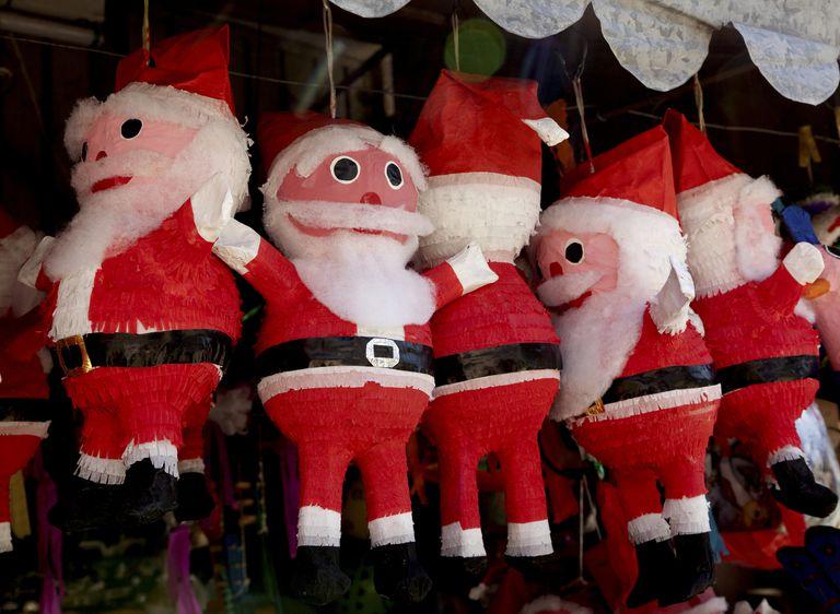 Santa Claus piñatas