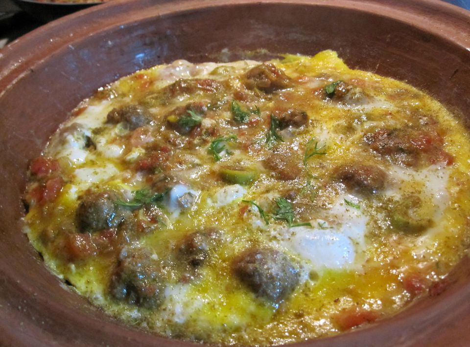 Simple and easy moroccan recipes kefta and egg tagine 4000 x 3000g forumfinder Gallery