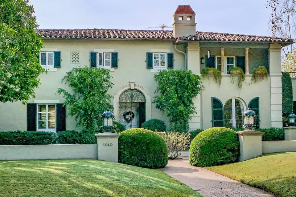 Where to find famous tv and movie houses in los angeles for How to buy a house in los angeles