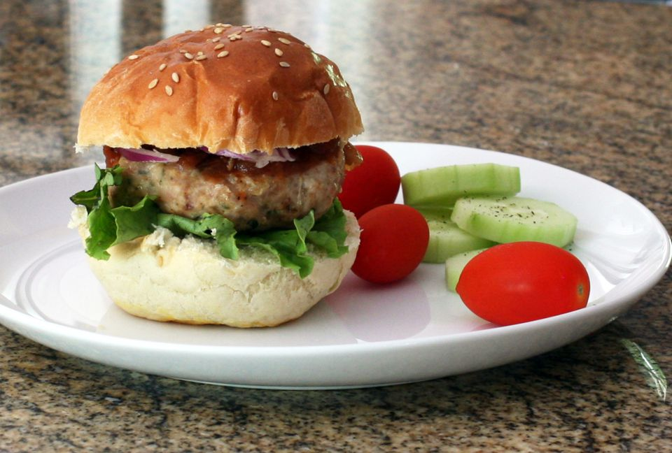 Turkey Burgers With Garlic and Herbs