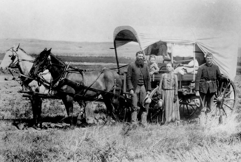 Photograph of family of western homesteaders