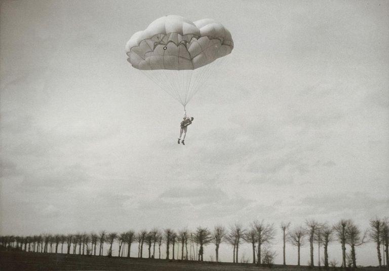 Faust Vrancic's Homo Volans Parachute