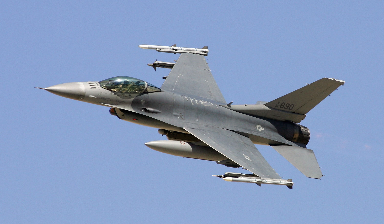 2a3x2 f 16 f 117 rq 1 and cv 22 avionic systems