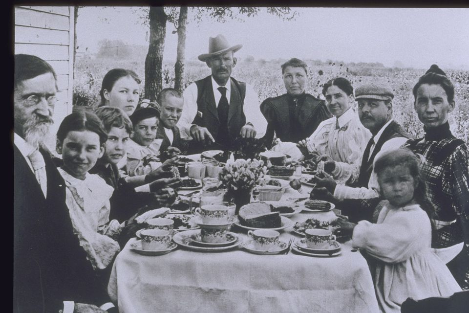 1900's Father and Family