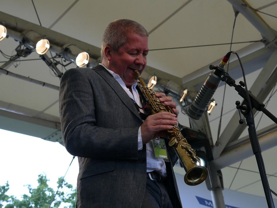 A performer at the Parc Floral Jazz Festival in 2009.