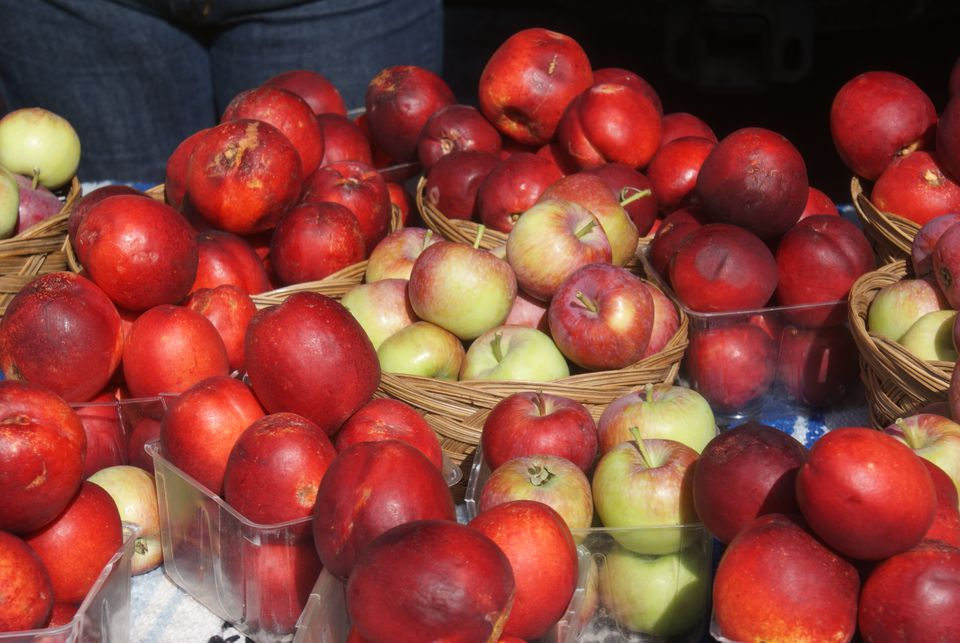 Apples Farmer's Market