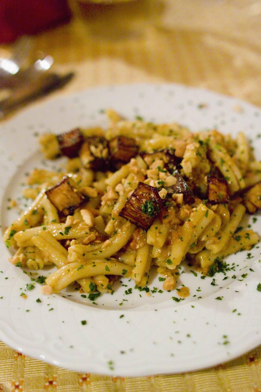 Gnoccoli pasta with pesto alla trapanese sauce, almonds and fried eggplant