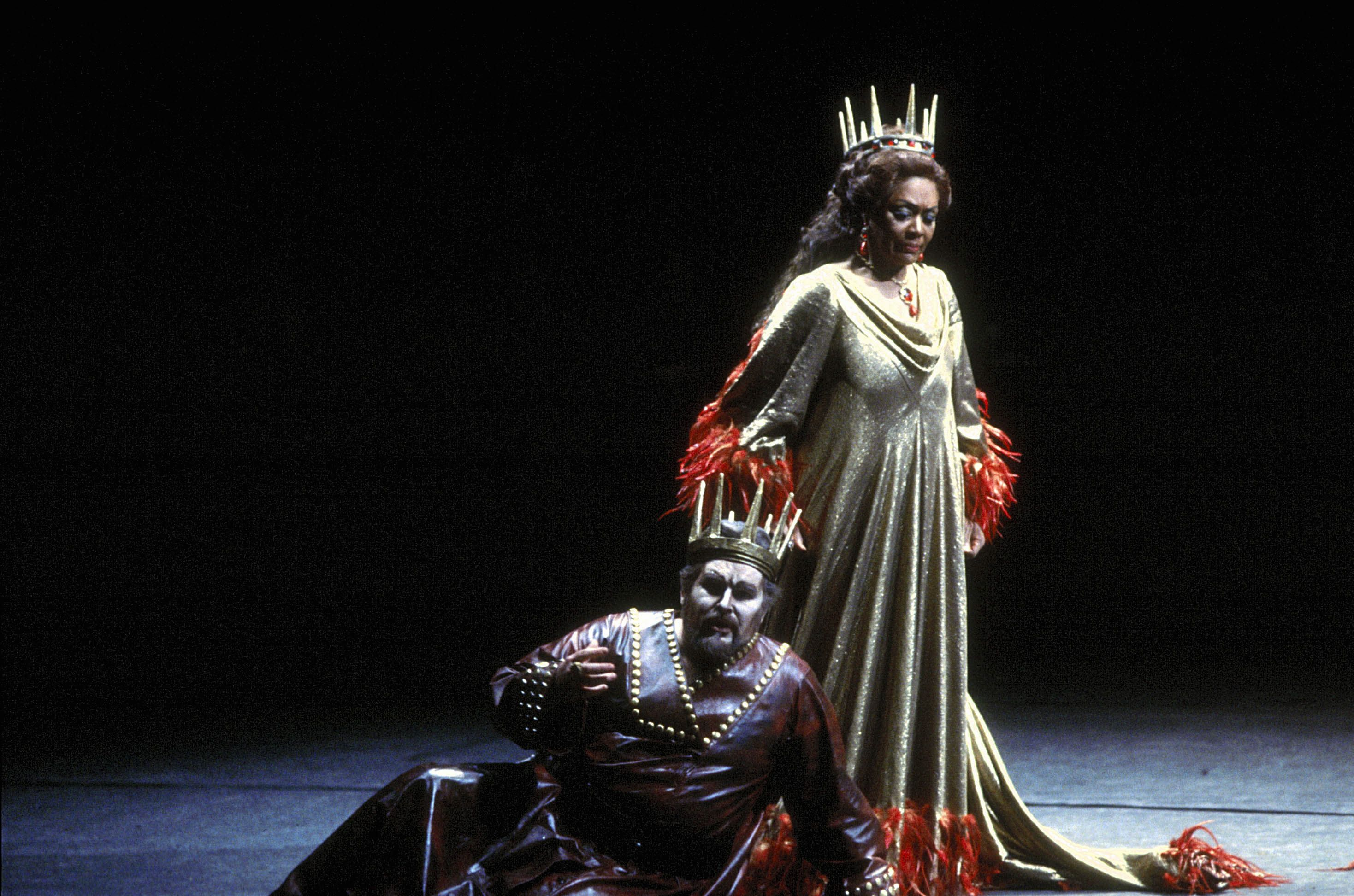 an analysis of the major characters on the play macbeth Sue bennett and dave stockwin macbeth by william shakespeare study  revise and  to lady macbeth, dangling the dagger and setting the scene for.