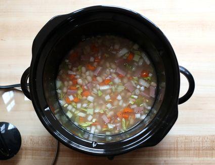 Crock Pot 16 Bean Soup With Sausage Recipe
