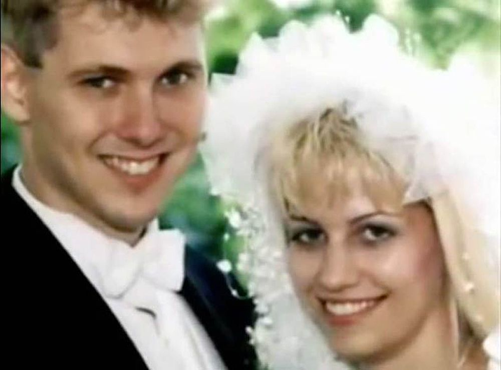 karla homolka canadian serial killer essay Paul bernado and karla homolka were canadian serial killers who attracted  worldwide media attention when they were convicted of raping and murdering.