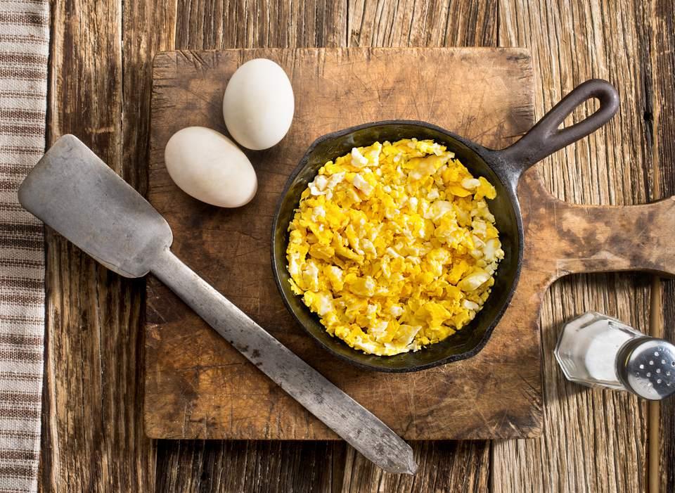 Dairy-free scrambled eggs
