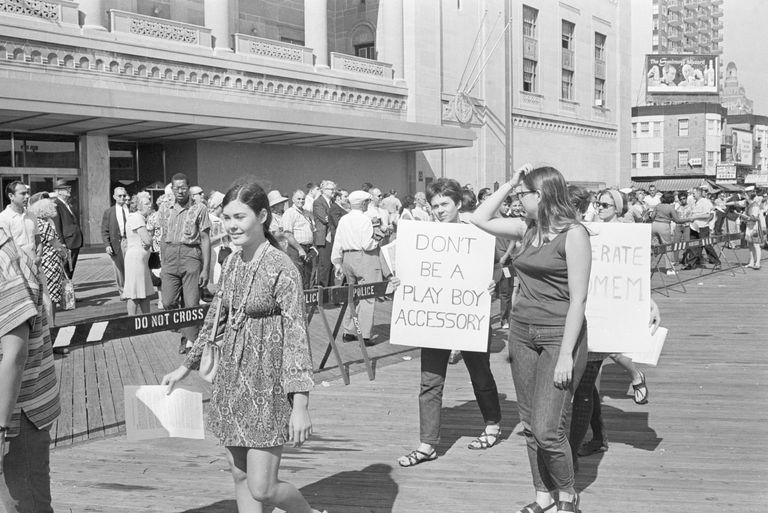 Demonstrators Picket Miss America Pageant