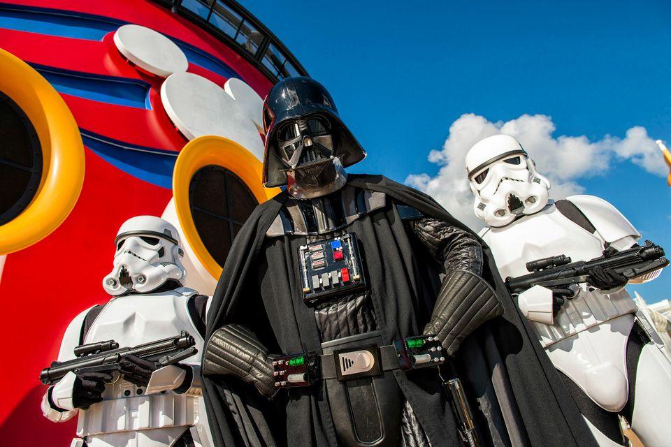 DisneyCruiseLine_StarWars_1.jpg