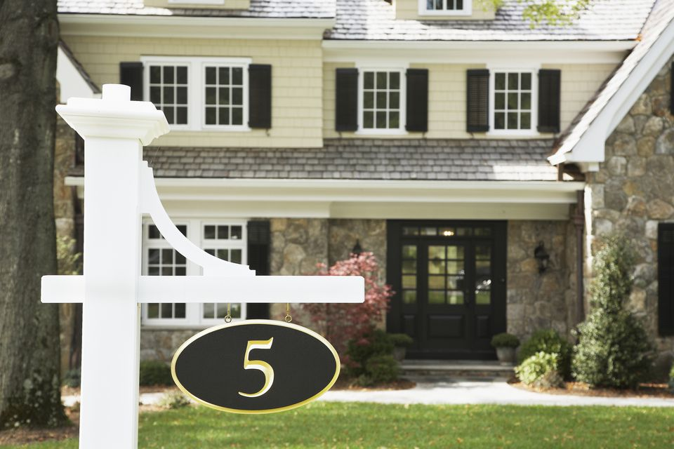 What numbers have good feng shui for a home for Gate color feng shui