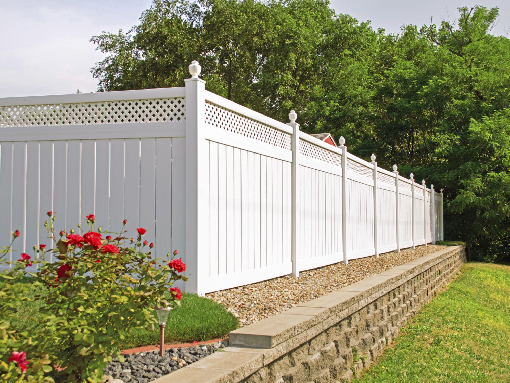 wood vs vinyl fences point by point parison
