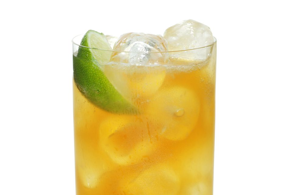 Easy Irish Ale Cocktail - Irish Whiskey and Ginger Beer