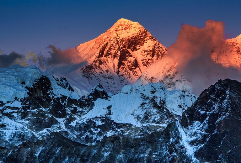 MountEverest_PhFengWei_Getty1.jpg
