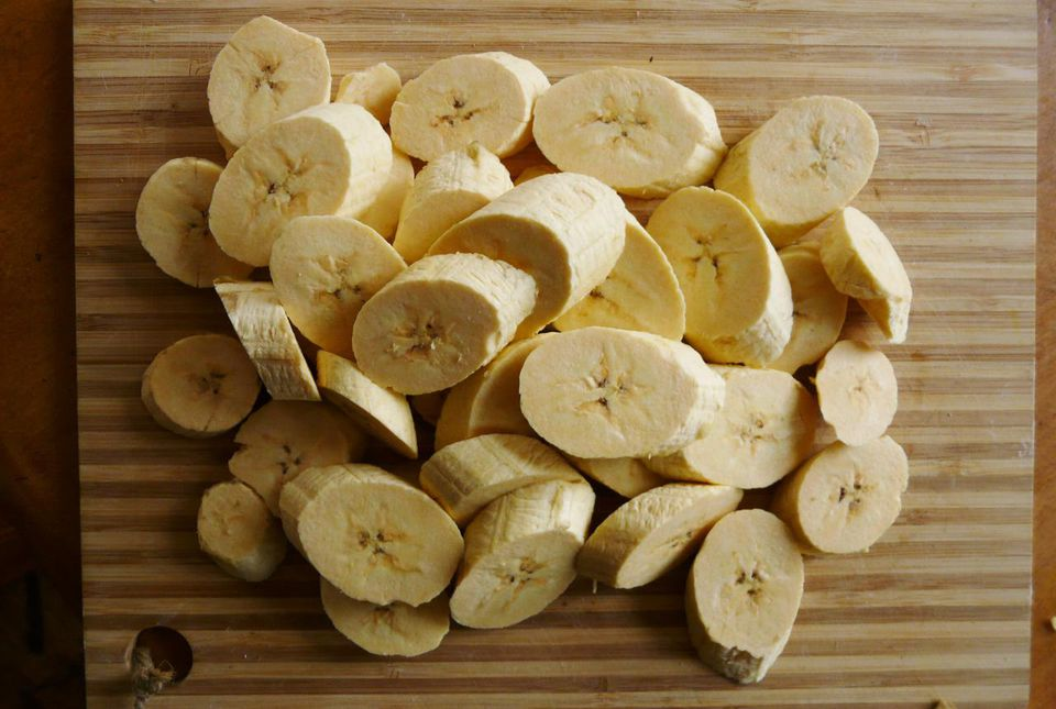 Sliced green plantains