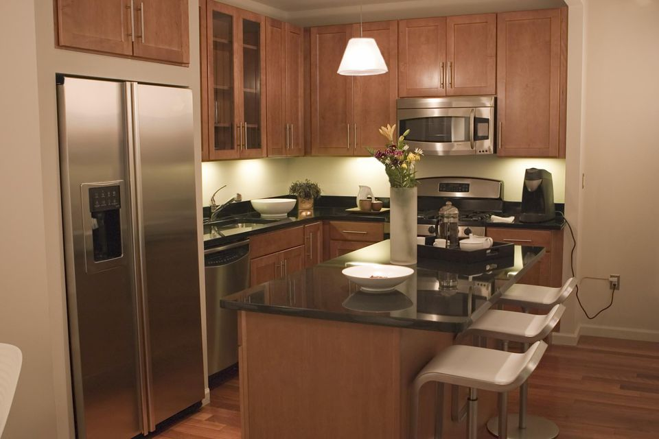 How Buying Used Kitchen Cabinets Can Save You Money - Old cabinets